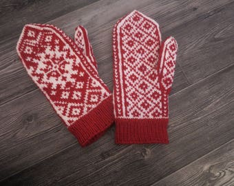 Christmas mittens - ready to ship