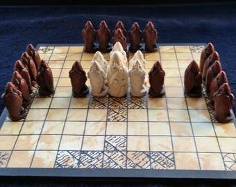 HNEFATAFL- The ' VIKING'Game