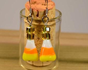 Candy Corn Bead earrings, Halloween earrings, Fall earrings, Candy earrings, candy corn, earrings handmade, Candy corn jewelry, light weight