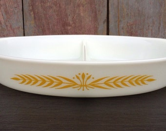 Pyrex Royal Wheat Oval Divided Dish~Vegetable Bowl~1 1/2 Quart