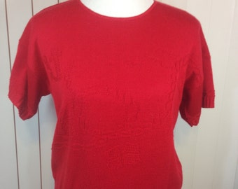 Red Nautical Short Sleeve Sweater with Sailboat, Anchor, Sea Gulls, Flags & Anchor Line, Ladies Large Previously 20 Dollars ON SALE