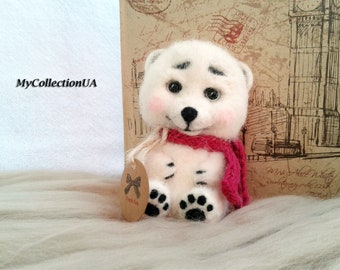 Сute felted Polar Bear, toys of wool, organic toy, Felt toys, Felted animals, Felt doll, Collectible dolls, Gift, collectable