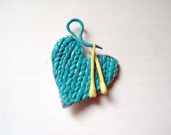A love of knitting-jewelry-brooch-brooch made of blue-heart paste-unique creation-brooch original-jewelry handmade-pin-gift for woman