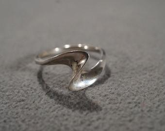 Vintage Sterling Silver Band Ring Curved Domed Design, Size 9