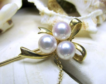 18k Mikimoto Pearls and Bow Stickpin 4 grams Yellow Gold