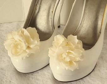 Ivory Shoe Clips, Wedding Shoe Clips,Rose Shoe Clips, Ivory Roses,Bridal Shoe Clips, IVory Shoe Clips, Clips for Wedding Shoes, Bridal SHoes