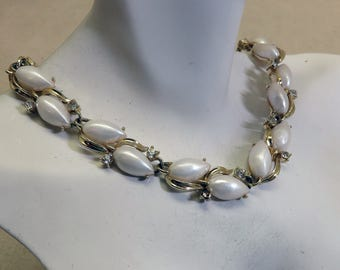 Lisner Pearl and Rhinestone Collar Necklace, Vintage, 17 Inch Lisner Gold Necklace
