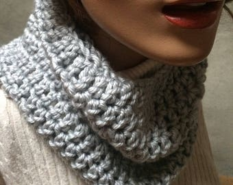 Grey chunky cowl  Cowl circle scarf, Hand crochet cowl scarf, crochet circle scarf, infinity scarf, chunky winter scarf, womens accesory