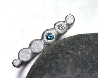 Delicate Blue White Diamond Pebble Ring Silver Teal Zen Serene Beach Walk Skipping Pebbles Boho Minimalistic Calming Design - Kieselsteine