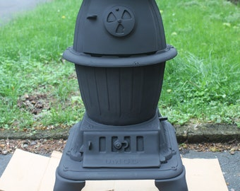 Antique UMCO Pot Belly Stove, #210
