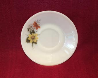 "Pyrex JAJ Autumn Glory Dahlia Tea Saucer 5 11/16"" diameter"