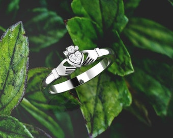 Irish Claddagh ring. Diamond claddagh ring. Engagement ring. Gold claddagh. Available in 14K / 18K yellow, rose, white or platinum.