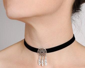 black Choker velvet necklace with Dreamcatcher by ImiLoa