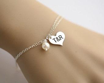 Personalized Heart bracelet,Heart initial bracelet,custom font,hand stamped,couple monogram,girlfriend gift,anniversary gift,wedding jewelry