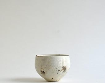 Kohiki Round Tea Cup (M) ; Takashi Sogo (15005501-01M)