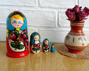 Vintage Russian Dolls Set of 4 Wooden Russian Nesting Doll Set Matryoshka Nesting Dolls Wooden Stacking Dolls Set Hand Painted Russian style