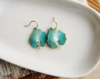 Verdigris Leaf Earrings, Leaf Earrings, Resin Jewelry, Minimalist Nature Jewelry, Botanical Metal Earrings, Charm Earrings