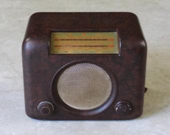 Bush Bakelite Valve Radio
