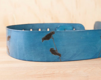Guitar Strap - Leather with birds in blue - Flightpath Pattern