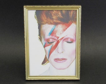 Vintage Ornate Goldtone 5x7 Desk Frame with Ziggy Stardust (E10542)