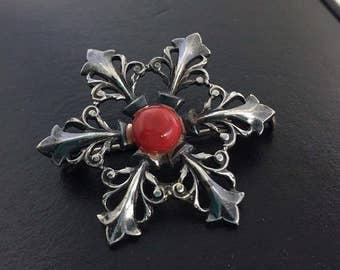 Vintage Very Early Early Sterling Silver fleur de lis designed Brooch with Trombone Clasp