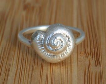 SeaShell Silver ring, sterling silver ring with a silver seashell, delicate silver ring, nautical ring, seashell ring