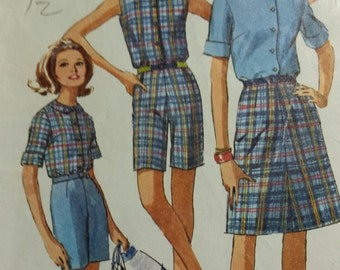 Simplicity 1960's Pattern for bermuda shorts, skirt, top pattern in miss sz 12 (bust 32) 6504