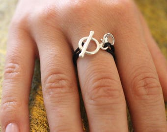 "Ring clasp ""T"""