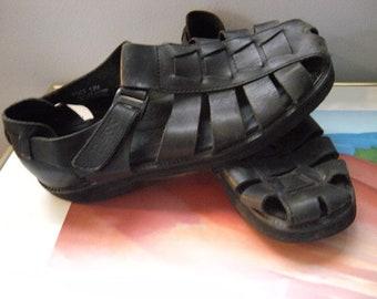 Vintage Black Leather Huaraches ~ Men's size 11 ~ Bass