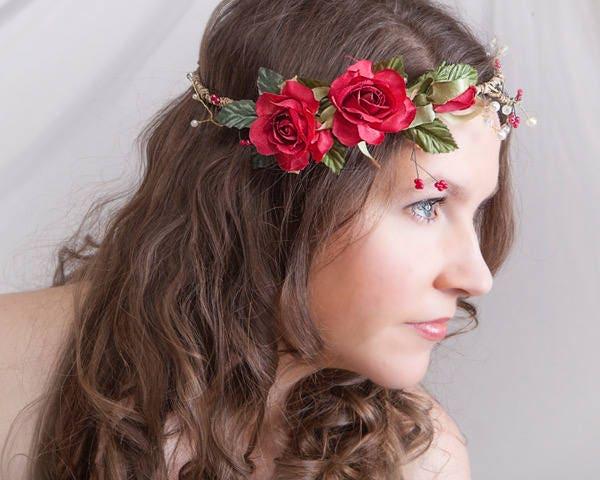 couronne fleurs rouges pour cheveux couronne de fleurs filles. Black Bedroom Furniture Sets. Home Design Ideas