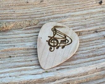 Guitar Pick, Treble Clef with music Engraved Guitar pick, Plectrum, Wood Guitar Pick, Guitar Pick Gift set, Guitarist Gift, Guitar Gift
