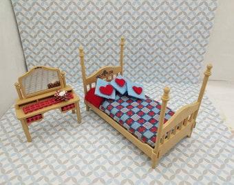 Tomy kleinere Haus Schlafzimmer Bett und Eitelkeit passt 3/4 bis 1 Zoll-Skala Hartplastik