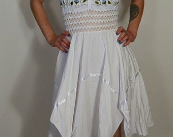 Embroidered Hankerchief Dress// 70s Summer Dress// Vintage Hand Embroidered Dress (F1)