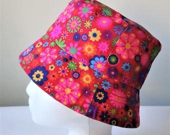 Flower power print reversible bucket hat