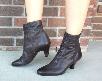 vtg 80s brown GRANNY Victorian ANKLE BOOTS 10 leather boho hippie grunge heels steampunk womens shoes booties