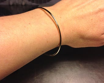 Solid Gold Bangle, 14k gold bangle, 2mm wide bangle, Simple gold bangle, plain smooth round, wedding bangle, Handmade bracelet, 2mm bangle