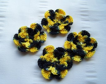 Appliques hand crocheted flowers embellishment set of 4 in  bee2 cotton 1.5 inch