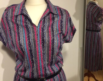 Sale! 50% reduced! Dress vintage made in Western Germany 70s strips again today announced TOP :-)