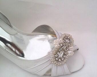Wedding shoe clips etsy bridal shoe clips wedding shoe clips rhinestone and pearl bridal shoe clips shoe junglespirit Choice Image