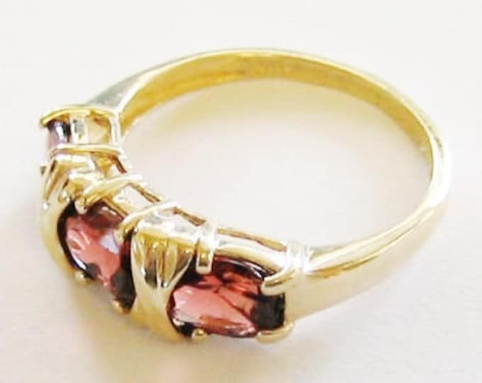 14K Solid Yellow Gold, Ladies Beautiful Garnet Ring....Size 7.5