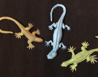 Rubber Lizard, Vintage Lizard, Plastic Lizard , Halloween Prop, Halloween Costume, Halloween Toys, Halloween Decor, Vintage Halloween