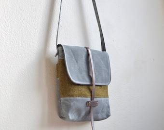 Waxed Canvas Purse / Crossbody Bag / Wool Purse / Small Purse / Canvas Purse / Canvas Crossbody Bag / Women's Purse / Waxed Canvas Bag