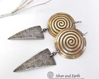 Argent sterling & boucles d'oreilles en laiton, bijoux moderne contemporain, boucles d'oreilles spirale, longues boucles, bijoux fait à la main en métal, mixte boucles d'oreilles métalliques