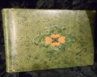 PHOTO ALBUM vintage green embossed vinyl for 3x5 (FFs1100)