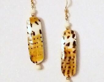 E1105 Conus Capitaneus Shell & Bone Earrings