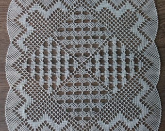Square lace doily made with bobbin