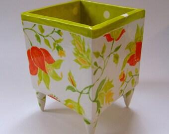 Gorgeous pottery Planter yellow/orange floral pattern, whimsical feet