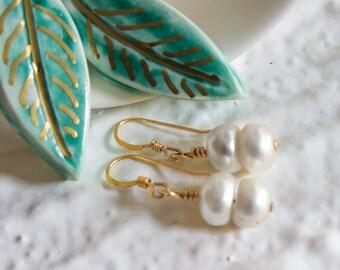 Boho Perlen Gold gefüllt Ohrringe, handgemachte Böhmische Schmuck, Brautjungfern Geschenk, Hochzeiten Beachparty, Braut-Bridal, echten Perlen in weiss