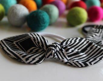 Black & White Geometric Knot Hair Tie