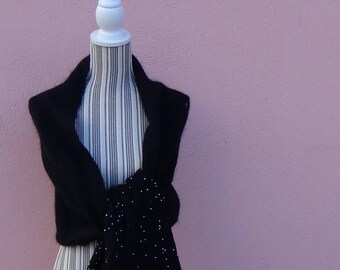 Wool stole with white beaded edge